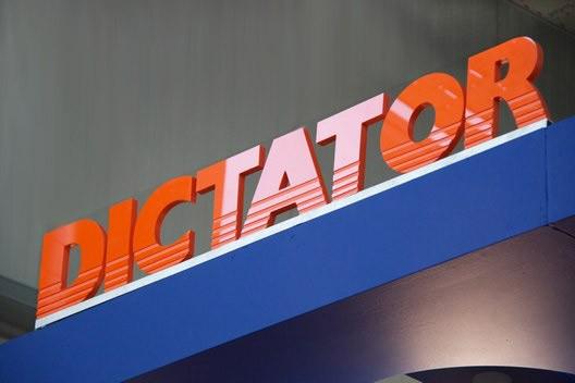 Über DICTATOR