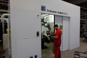 Our new welding robot TruLaser Robot 5020: optimum welding results require optimum preparation.