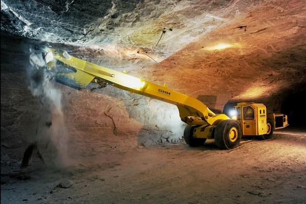 Türschließer DIREKT öffnet schwere Kabinentüren in Bergbaufahrzeugen
