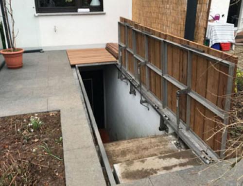Abdeckung des Kellerabgangs verschönert Terrasse und schafft Platz