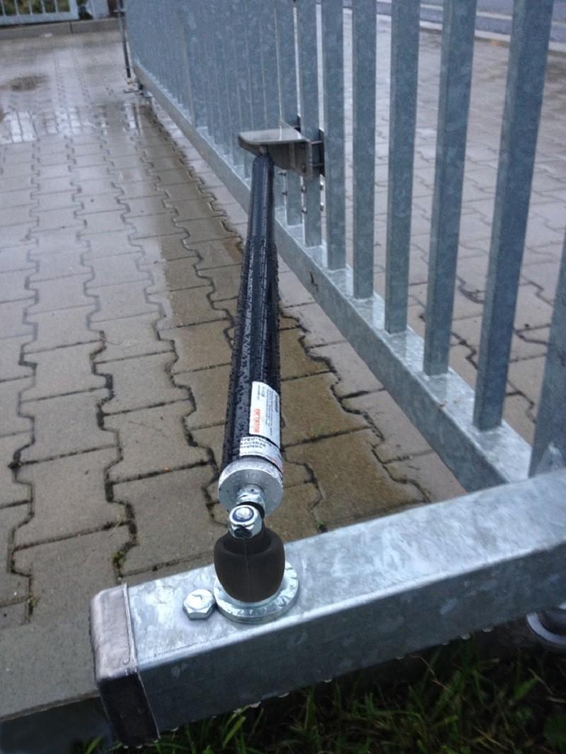 Amortisseur en montage fixe DICTATOR ÖDR avec régulation extérieure pour portails battants avec paumelles montantes
