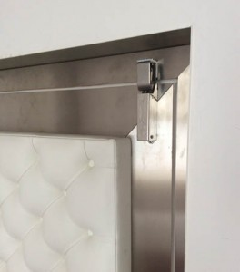 Türdämpfer R1400 Montage an Tür. Neue Montagemöglichkeit für Türdämpfer an der Türrückseite von Drehtüren
