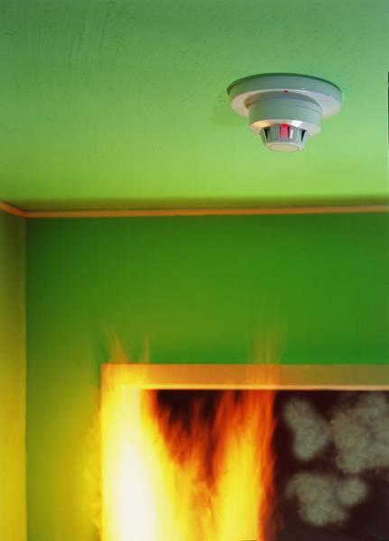 w rmemelder feststellanlage rauchmelder brandschutz. Black Bedroom Furniture Sets. Home Design Ideas