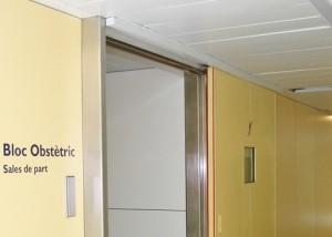 Brandschutzschiebetür-Antrieb im Krankenhaus