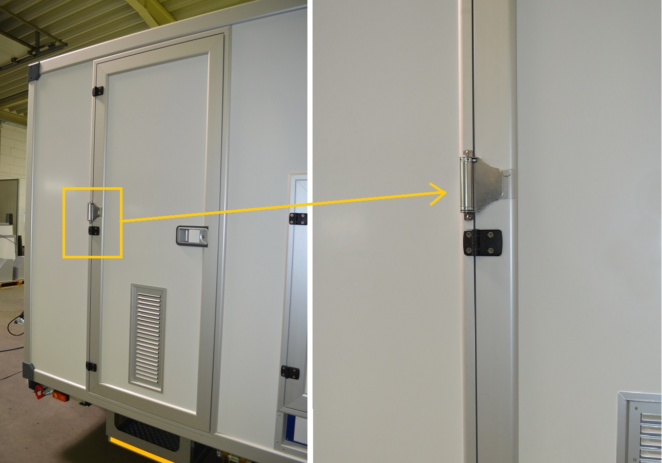 Small closing springs. The Piccolo closing spring always closes both exterior doors as well as the door to the shower inside the container.