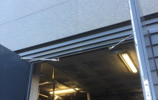 Türöffnungsbegrenzer an zweiflügeliger Tür