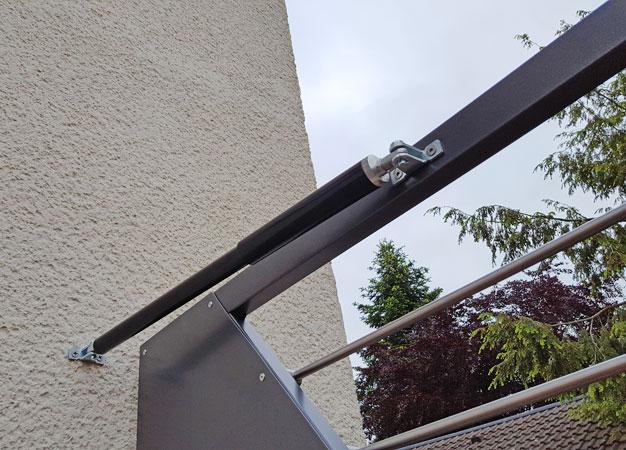 Außentürschließer Zauntürschließer Bodentürschließer Tore Türen Zaun