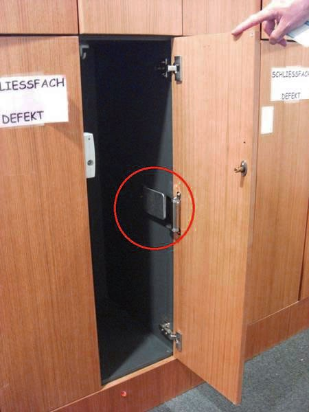 The DICTATOR PICCOLO closing spring now makes sure the doors of the lockers are always closed and thus no more damaged.