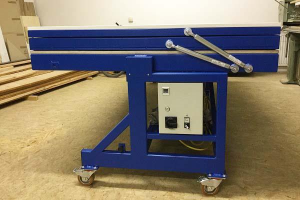 Vakuum Furnierpresse mit DICTATOR Gasfedern